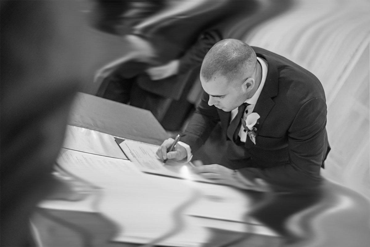Thomas Kemendi aláírós